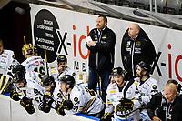 Ishockey , GET-Ligaen , Eliteserien <br /> Tirsdag 17. November 2015, 20151117<br /> Lørenskog Hockey - Stavanger Oilers<br /> Stavanger Oilers trener Petter Thoresen bak spillerbenken underveis i tredje periode på stillingen 5-2 <br /> Foto: Sjur Stølen / Digitalsport