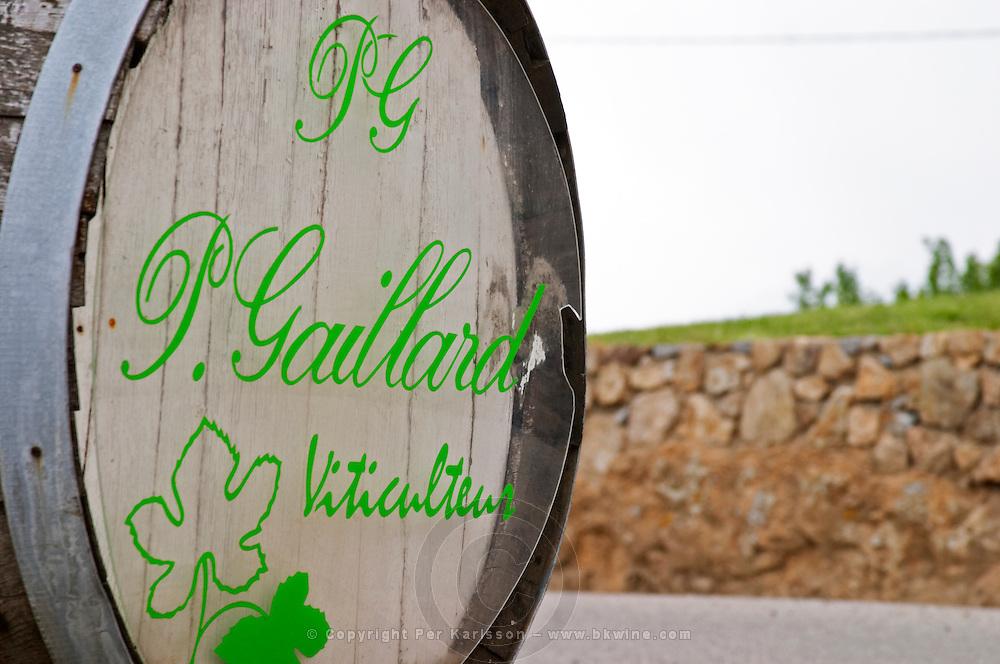 Sign on an old barrel welcoming visitors to Pierre Gaillard Winery, viticulteur.  Domaine Pierre Gaillard, Malleval, Ardeche, Ardeche, France, Europe