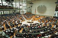 05 FEB 1998, BONN/GERMANY:<br /> Deutscher Bundestag, Plenarsaal, Übersicht, Debatte über die Bekämpfung der Arbeitslosigkeit im Deutschen Bundestag<br /> IMAGE: 19980205-01/02-29