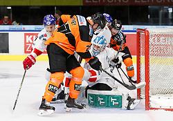 26.10.2018, Merkur Eisstadion, Graz, AUT, EBEL, Moser Medical Graz 99ers vs HC TWK Innsbruck Die Haie, 13. Runde, im Bild von links Sam Antonitsch (HC TWK Innsbruck Die Haie), Ty Loney (Moser Medical Graz 99ers) und Janne Juvonen (HC TWK Innsbruck Die Haie) // during the Erste Bank Icehockey League 13th round match between Moser Medical Graz 99ers and HC TWK Innsbruck Die Haie at the Merkur Ice Stadium, Graz, Austria on 2018/10/26, EXPA Pictures © 2018, PhotoCredit: EXPA/ Erwin Scheriau