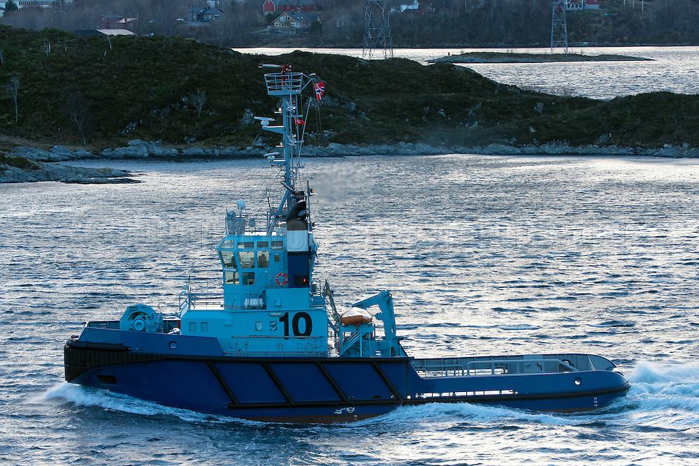 The Tug Audax, owned by Østensjø Rederi   Slepebåten Audax, eiet av Østensjø Rederi.
