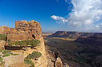 Yemen, région du Haut Plateau de Bukur, village de Zakati.  // Yemen, central mountains of Bukur, ancient town of Zakati.