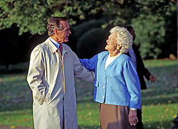 October 23, 1992 - Washington, District of Columbia, United States of America - United States President George H.W. Bush hugs first lady Barbara Bush as he departs the South Lawn of the White House in Washington, DC on Friday, October 23, 1992..Credit: Ron Sachs / CNP (Credit Image: © Ron Sachs/CNP via ZUMA Wire)