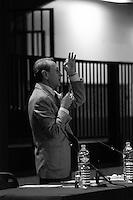 Bertrand  Delanoë (maire de Paris de 2001 à 2014) - avec Roger Madec - donne un compte-rendu de son mandat, Paris 19ème / 2004.
