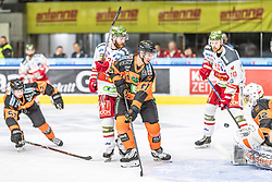 10.03.2019, Merkur Eisstadion, Graz, AUT, EBEL, Moser Medical Graz 99ers vs HCB Suedtirol Alperia, Platzierungsrunde, 54. Runde, im Bild v.l.: Oliver Setzinger (Moser Medical Graz 99ers), Simon Roenninger (Moser Medical Graz 99ers) // during the Erste Bank Eishockey League 54th round match between Moser Medical Graz 99ers and HCB Suedtirol Alperia at the Merkur Eisstadion in Graz, Austria on 2019/03/10. EXPA Pictures © 2019, PhotoCredit: EXPA/ Dominik Angerer
