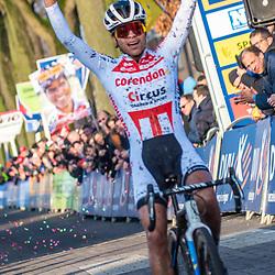 2019-12-27 Cycling: dvv verzekeringen trofee: Loenhout: Ceylin del Carmen Alvarado takes a superior win