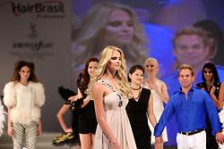 Megashow Wella, tendências de coloração na HAIR BRASIL 2011 - 10 ª Feira Internacional de Beleza, Cabelos e Estética, que acontece de 02 a 05 de abril no Expocenter Norte, em São Paulo. FOTO: Jefferson Bernardes/Preview.com