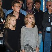 NLD/Amsterdam/20131018 - Boekpresentatie Dennis Bergkamp,  kinderen Estelle Deborah, Mitchel Dennis, Yasmin, Saffon