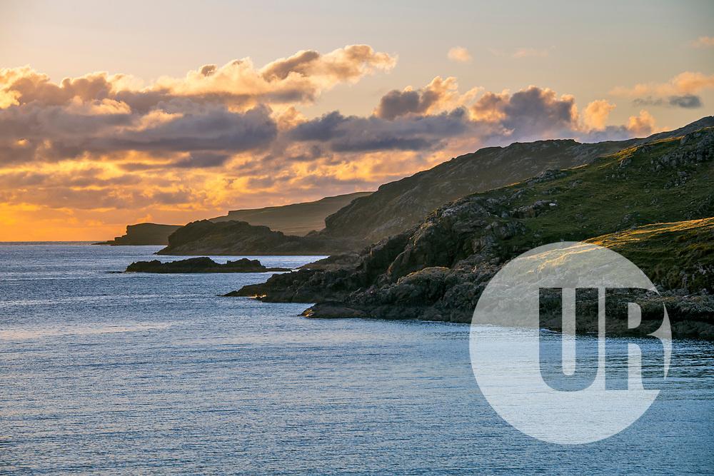 Nascer do Sol (Paisagem) fotografado na Escócia, na Europa. Registro feito em 2019.<br /> ⠀<br /> ⠀<br /> <br /> <br /> <br /> <br /> <br /> <br /> ENGLISH: Sunrise photographed in Scotland, in Europe. Picture made in 2019.