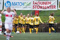 Fotball<br /> 29. August 2015<br /> Toppserien<br /> Stemmemyren<br /> Sandviken - Lillestrøm 0 - 2<br /> Sandviken depper mens<br /> Ingrid Moe Wold (8R) jubler sammen med målscorer Emilie Bosshard Haavi (7R) , Emma Linnea Lund (6R) , Lene Mykjåland (5R) , Anja Sønstevold (4R) , Marit Sandvei (3R) , Anna Westerlund (2R) og Marita Skammelsrud Lund (R) , Lillestrøm<br /> Foto: Astrid M. Nordhaug