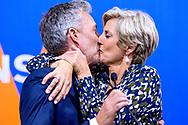 EPV19. Venstres spidskandidat Morten Løkkegaard bliver kysset af konen efter Venstres flotte valgresultat i forbindelse med Europa Parlamentsvalget d. 26. maj 2019.