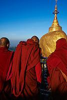 Myanmar (Birmanie), état de Môn, le Rocher d'Or de Kyaiktiyo // Myanmar (Burma), Mon State, Kyaiktiyo Golden rock