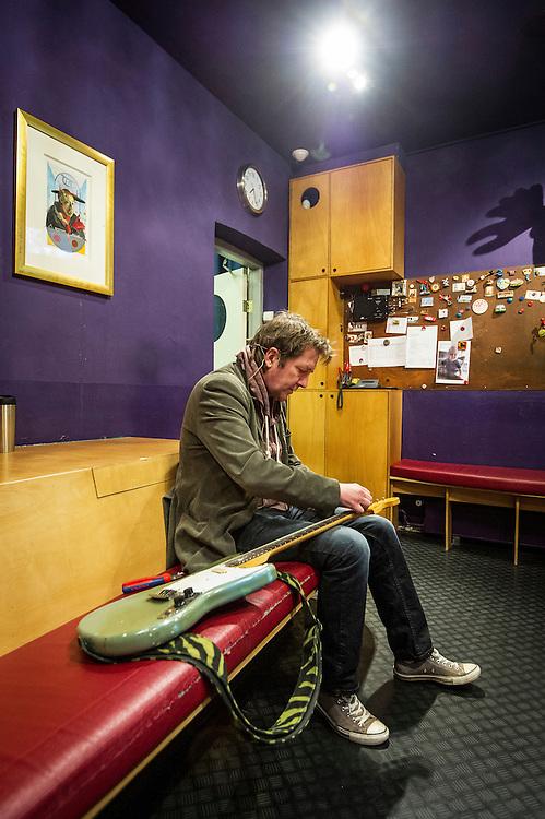 Foto: Gerrit de Heus. Amsterdam. 30-04-2015. André Manuel bereidt zich voor op de voorstelling in De Kleine Komedie.