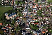 Nederland, Friesland, Gemeente Ferweradeel, 08-09-2009; Ferwerd (Ferwert in de officiele Friese), terpdorp, beschermd dorpsgezicht met Hervormde kerk (15e eeuw)..Ferwerd (Ferwert in the official Frisian), village around terp (mound). Tower of the Reformed Church (15th century) with gable roof..luchtfoto (toeslag); aerial photo (additional fee required); .foto Siebe Swart / photo Siebe Swart