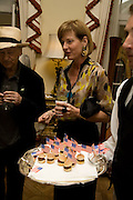 ulia peyton-jones, Serpentine Pavilion opneing event: Drinks party hosted by the American Ambassador Robert Tuttle at his residence  in Regent's Park. .  *** Local Caption *** -DO NOT ARCHIVE-© Copyright Photograph by Dafydd Jones. 248 Clapham Rd. London SW9 0PZ. Tel 0207 820 0771. www.dafjones.com.