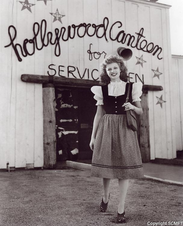 1942 Rita Hayworth at the Hollywood Canteen
