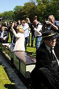 Koning Willem Alexander en Koningin Maxima op provinciebezoek in Groningen.<br /> <br /> King Willem Alexander and Queen Maxima visit the province of  Groningen<br /> <br /> Op de foto:  Presentatie Familiepark Nienoord met stoomtreintje, Nieno <br /> <br /> Presentation Familypark (attractionparc) with a  Nienoord steam train, Nieno