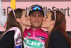 Alessandro Petacchi (ITA) of LPR team winner at finish line and won a points T-shirt at 2nd stage of 92nd Giro d'Italia in Trieste, on May 10, 2009, in Trieste, Italia.  (Photo by Vid Ponikvar / Sportida)