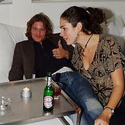 Expositie opening Naakten in de Supperclub van Ronald Schmets,, Anna Drijver en vriend Tygo Gernandt