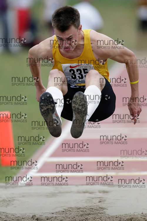 Riley Bell of Central Elgin CI - St. Thomas competes at the 2013 OFSAA Track and Field Championship in Oshawa Ontario, Saturday,  June 8, 2013.<br /> Mundo Sport Images/ Geoff Robins