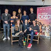 NLD/Amsterdam/20191204 - Repetities musical Verliefd op Ibiza, Cast: Johnny Kraaijkamp, Guido Spek, Chris Tates, Mylene d'Anjou, Laura Ponticorvo, Charlene Sancho, Joris de Hoop, Samir Hassan