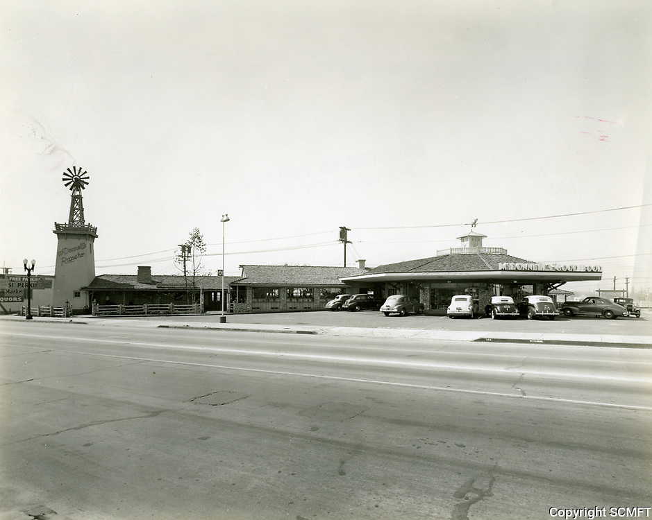 1941 McDonnell's Drive In at Sunset Blvd. & Cahuenga Ave.