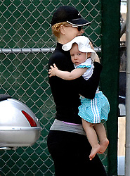 EXCLUSIVE. Nicole Kidman and her daughter Sunday Rose enjoy a beautiful day together in New York City, NY, USA on June 28, 2009. Next July 11, Sunday Rose will be one year old. Photo by Frank Ross/ABACAPRESS.COM    193350_003