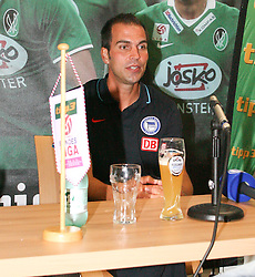02.08.2010, Keine Sorgen Arena, Ried im Innkreis, AUT, Freundschaftsspiel, SV Josko Fenster Ried vs Hertha BSC Berlin, im Bild Markus Babbel,(Hertha BSC Berlin, Headcoach) bei Pressekonferenz, EXPA Pictures © 2010, PhotoCredit: EXPA/ R. Hackl / SPORTIDA PHOTO AGENCY