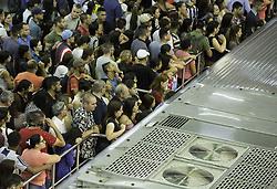 December 18, 2018 - SãO Paulo, Brazil - SÃO PAULO, SP - 18.12.2018: MOVIMENTAÇÃO LINHA 3 VERMELHA EM SP - Drive in Red Line 3 platform at the Palmeiras-Barra Funda Station on the morning of this Tuesday (18). Linha started the day with problems at Guilhermina-Esperança station. (Credit Image: © Bruno Rocha/Fotoarena via ZUMA Press)
