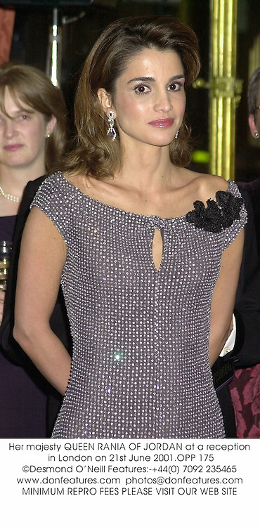 Her majesty QUEEN RANIA OF JORDAN at a reception in London on 21st June 2001.	OPP 175