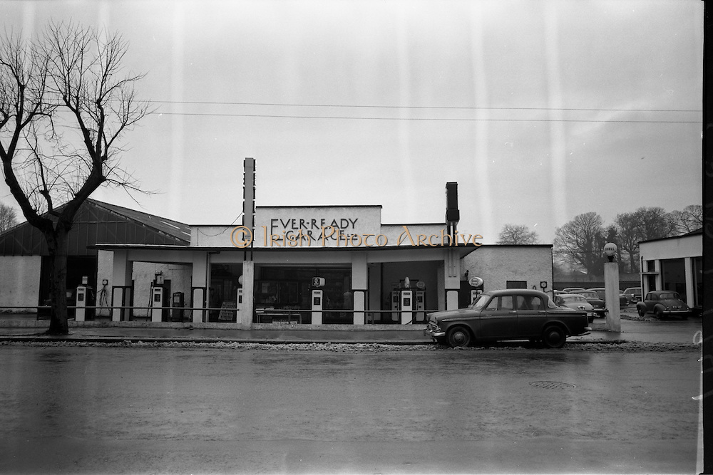 15/01/1963<br /> 01/15/1963<br /> 15 January 1963<br /> Ever-Ready garage at Donnybrook, Dublin. Image shows exterior of garage and service station. Note pumps are Esso and Shell.