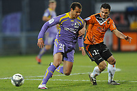 FOOTBALL - FRENCH CHAMPIONSHIP 2009/2010 - L1 - FC LORIENT v TOULOUSE FC - 14/02/2010 - PHOTO PASCAL ALLEE / DPPI - DANIEL OMOYA BRAATEN (TFC) / JEREMY MOREL (FCL)