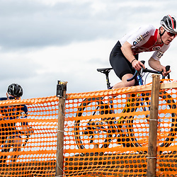 20190201: UCI CX Worlds : Dübendorf: Kevin Kuhn and Antoine Benoist trying to chase Ryan Kamp