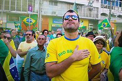 May 26, 2019 - Campinas, Brazil - CAMPINAS, SP - 26.05.2019: ATO PRO BOLSONARO EM CAMPINAS - Ato pro Bolsonaro gathered around 5 thousand people in Campinas (SP), according to the organizers. Young people, children, adults and the elderly were present in Largo do Rosário this Sunday morning in the central part of the city. The act was peaceful and several people went to the capital where the act happens in the afternoon. (Credit Image: © Cadu Rolim/Fotoarena via ZUMA Press)