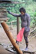 El indígena pasado   comunidad indígena emberá, Panamá.<br /> <br /> Indígena pintado de negro.