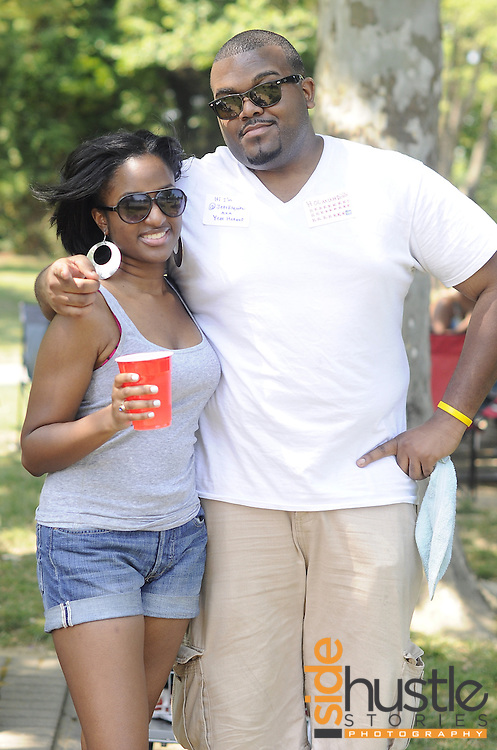 Friends pose for a picture at the 2012 DMV Tweetup Cookout at Allen Pond in Bowie, MD. By Maxine Naawu of Side Hustle Stories Photography