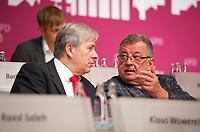 DEU, Deutschland, Germany, Berlin, 27.10.2012:<br />Landesparteitag der Berliner SPD im Berliner Congress Center (BCC) am Alexanderplatz. Klaus Wowereit, Regierender Bürgermeister von Berlin, im Gespräch mit Ottmar Schreiner (MdB, SPD).