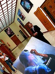 LECCE PALAZZO DEI CELESTINI 30 GIUGNO 2007..Inaugurazione mostra fotografica Staramasce' Salento Negroamaro 2007 e dibattito su Dialogo in Afghanistan nell'aula consigliare della provincia di Lecce. .Intervengono Gino Pisano' Presidente dell'Istituto di Culture Mediterranee, Dawood Azami BBC World Service, Duilio Gianmaria inviato del TG1, Antonio Cassiano Direttore Museo Castromediano di Lecce, Kash Gabriele Torsello.