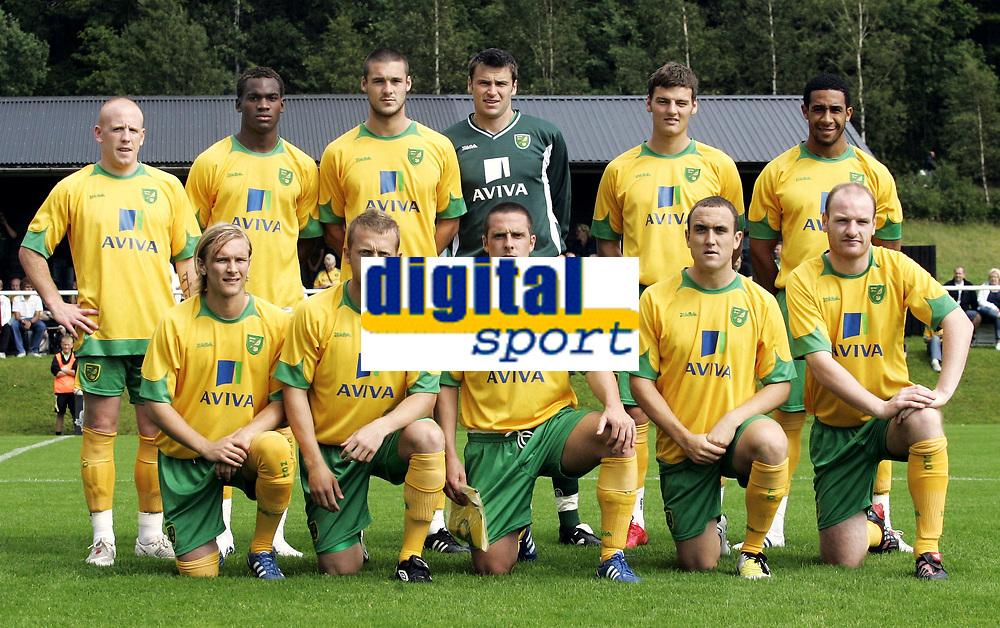 Fotball<br /> Treingskamp Friendly<br /> 19.07.08<br /> Sjövalla Stadion<br /> Ahlafors IF - Norwich City<br /> Lagbilde - Team Picture - (Back row L-R): Matty Pattison - Chris Makiese - Jason Shackell - David Marshall - Chris Martin - Jon Otsemobor (Front row L-R): Robert Eagles - Sammy Clingan - Mark Fotheringham - Lee Croft - Gary Doherty<br /> Foto - Kasper Wikestad