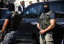 October 3, 2017 - Gaza - A member of the Egyptian Special Force and a member of the Palestinian police force in Gaza during security arrangements shortly after the Egyptian Intelligence Minister arrived at the Palestinian Prime Minister's office. (Credit Image: © Nidal Alwaheidi/Pacific Press via ZUMA Wire)