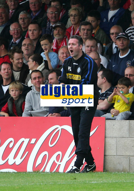Photo: Andrew Unwin.<br />Accrington Stanley v Wycombe Wanderers. Coca Cola League 2. 30/09/2006.<br />Wycombe's Paul Lambert.