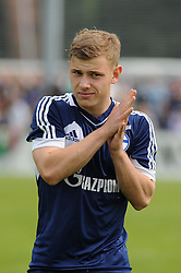 24.04.2014, Veltins Arena, Gelsenkirchen, GER, 1. FBL, Training Schalke 04, im Bild Max Meyer ( Schalke 04 ) reibt sich die Haende. // during a Trainingsession of German Bundesliga Club Schalke 04 at the Veltins Arena in Gelsenkirchen, Germany on 2014/04/24. EXPA Pictures © 2014, PhotoCredit: EXPA/ Eibner-Pressefoto/ Thienel<br /> <br /> *****ATTENTION - OUT of GER*****