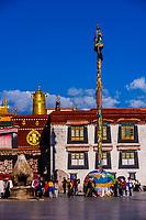 Barkhor Square (Jokhang Temple behind), Lhasa, Tibet (Xizang), China.