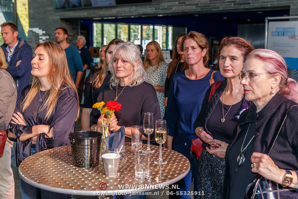 NLD/Hilversum/20181003 - Onthulling Mies Bouwman Totempaal,