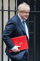 © Licensed to London News Pictures. 31/01/2017. London, UK. Foreign Secretary Boris Johnson arriving at Downing Street for a cabinet meeting this morning. Photo credit : Tom Nicholson/LNP