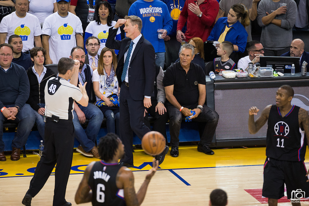 Golden State Warriors head coach Steve Kerr reacts to a foul call during a game against the LA Clippers at Oracle Arena in Oakland, Calif., on February 23, 2017. (Stan Olszewski/Special to S.F. Examiner)
