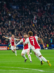 10-04-2019 NED: Champions League AFC Ajax - Juventus,  Amsterdam<br /> Round of 8, 1st leg / Ajax plays the first match 1-1 against Juventus during the UEFA Champions League first leg quarter-final football match / David Neres #7 of Ajax scores 1-1 in the first minute second half. Lasse Schone #20 of Ajax