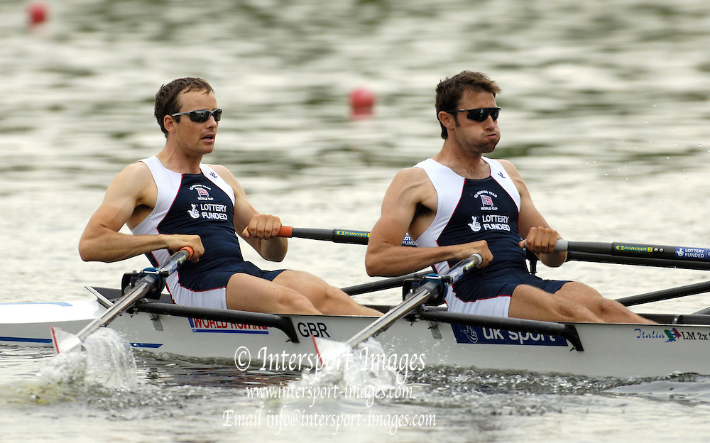 Poznan, POLAND.  2006, FISA, Rowing, World Cup, GBR LM2X bow James LINSEY FYNN and Mark HUNTER, move  away from  the  start, on the Malta  Lake. Regatta Course, Poznan, Thurs. 15.05.2006. © Peter Spurrier   ..[Mandatory Credit Peter Spurrier/ Intersport Images] Rowing Course:Malta Rowing Course, Poznan, POLAND