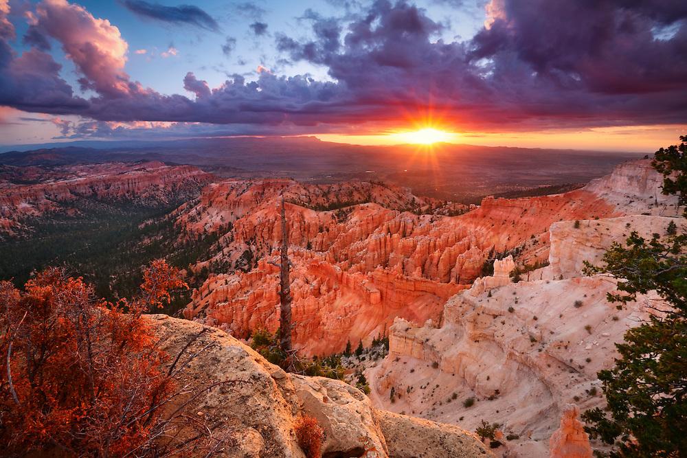 Bryce Canyon desde el Bryce Point, Utah, Estados Unidos