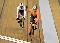 06-08-2018 WIELRENNEN: EUROPEAN CHAMPIONSHIPS TRACK CYCLING: GLASGOW<br /> Jeffrey Hoogland wint de sprint van Stefan Botticher (GER)  en mag zich Europees kampioen noemen<br /> <br /> Foto: SCS/Soenar Chamid